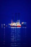 在黄昏的货船 库存照片