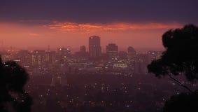 在黄昏的阿德莱德地平线 库存照片