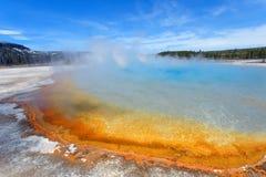 在黄石的彩虹池 免版税库存图片