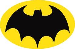 在黄色长圆形的蝙蝠侠标志