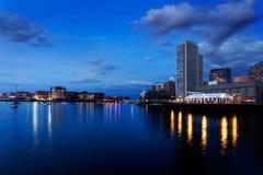在黎明之前的波士顿港口 库存照片