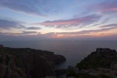 在黎明前的海岸线 库存照片