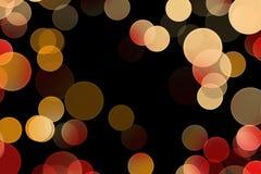 在黑暗的背景的五颜六色的圈子 库存例证