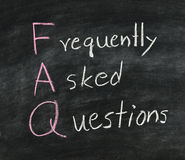 在黑板的常见问题解答。 库存照片