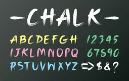 在黑板,黄色大写字母表手写,桃红色信件手凹道的白色白垩铅印设计,蓝色印刷术英语发短信 库存例证