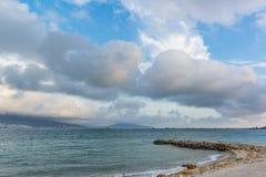 在黑海的低积云 免版税库存照片