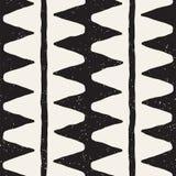 在黑白的手拉的抽象无缝的样式 减速火箭的难看的东西徒手画的接合的线纹理 免版税库存图片