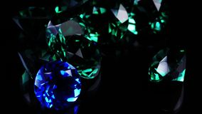 在黑背景的宝石 影视素材