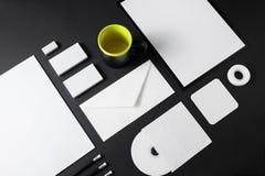 在黑色的空白的文具 免版税图库摄影