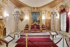 在默罕默德阿里Tewfik,开罗,埃及王子Manial宫殿的王位霍尔  免版税库存图片
