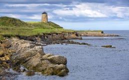 在鼓笛地区东方Neuk的St Monans沿海风车,苏格兰 图库摄影