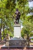 在齐佩瓦人正方形的Oglethorpe纪念碑在大草原 免版税库存图片