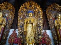 在龙华寺的佛教雕象 免版税库存照片