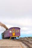 在登上华盛顿的嵌齿轮火车 免版税库存照片
