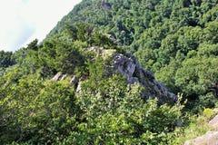 在登上杂志国家公园的峭壁 免版税库存图片