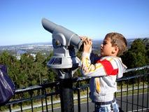 在登上老傻瓜tha布里斯班,澳大利亚的望远镜 免版税库存图片