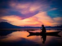 在登上巴厘岛Batur的日落  库存图片