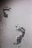 在登上kelud的火山灰爆发的脚印 库存照片
