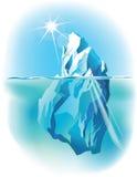 在水下的冰山和水面上 免版税库存照片