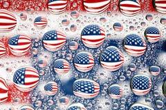 在水下落反映的美国国旗 免版税库存照片