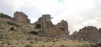 在15世纪制造的古老威尼斯式风车废墟, Lassithi高原,克利特,希腊 免版税库存图片
