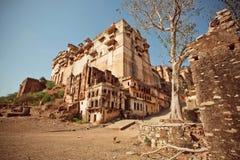 在17世纪堡垒附近的干燥风景 库存照片