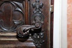 在18世纪大厦的门把手 库存照片