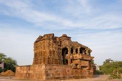 在6世纪广告修建的美丽的被雕刻的古老耆那教的寺庙在Osian,印度 免版税图库摄影