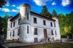 在19世纪末期修建的老别墅在撒丁岛 免版税库存照片