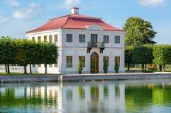 在18世纪末的法国样式的历史的豪宅 免版税库存照片