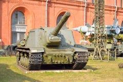 在1944年152个mm自走枪ISU-152样品 免版税库存照片