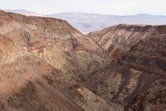 在死亡谷的彩虹峡谷 库存照片