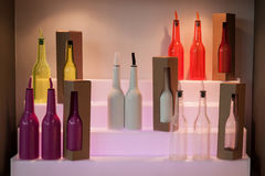 在主人的五颜六色的瓶2013年在米兰,意大利 免版税库存照片