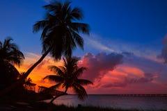 在巴伊亚本田的佛罗里达群岛老桥梁日落 库存照片