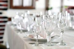 在宴会的空的玻璃 免版税库存图片