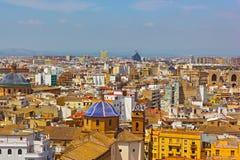 在巴伦西亚市的一张鸟瞰图从钟楼 免版税库存照片