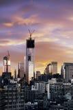 冬天日落自由塔更低的曼哈顿纽约 库存图片