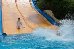 在水公园的水滑道 免版税图库摄影
