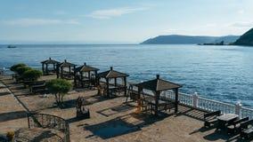 在贝加尔湖岸的眺望台  免版税库存图片