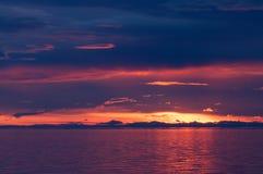 在贝加尔湖的日落在夏天 图库摄影