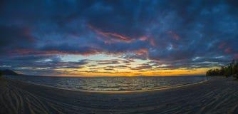 在贝加尔湖的美妙的日落 库存照片