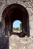 在巴加莫约镇(坦桑尼亚)附近的Kaole废墟 免版税库存图片