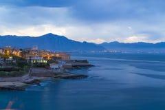在巴勒莫被看见的Aspra小村庄,西西里岛,意大利附近 免版税库存图片
