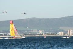 在直升机和小船中 免版税库存图片