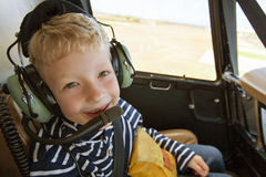 在直升机的孩子 免版税库存照片