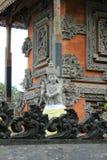 在巴厘岛印度寺庙的守护天使雕塑 免版税库存照片