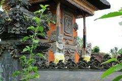 在巴厘岛印度寺庙的守护天使雕象 免版税库存图片