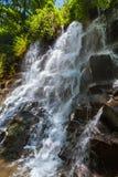 在巴厘岛印度尼西亚的Kanto Lampo瀑布 图库摄影