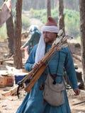 在1187年参加者在Hattin争斗垫铁的重建审阅阵营在竞选前在提比里亚, Isra附近 库存图片