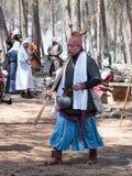 在1187年参加者在Hattin争斗垫铁的重建审阅阵营在竞选前在提比里亚, Israe附近 免版税图库摄影